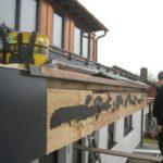 Schiebenaht zu Attika-Abdeckung über Gebäude Trennfuge